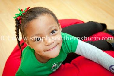 kids Christmas pictures portrait studio